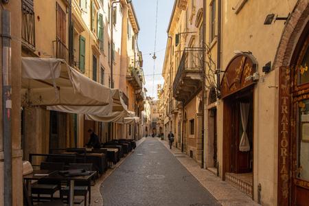 Via Tre Marchetti - A narrow alley near the arena in the center of Verona 報道画像