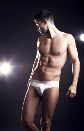 underwear: Detalle de un hombre guapo muscular en ropa interior