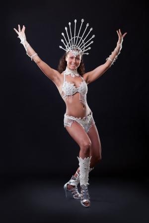 Samba Dancer im Studio Standard-Bild - 16635853