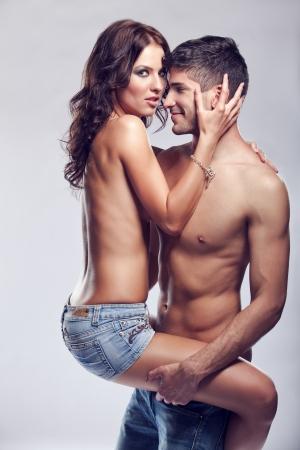 sexo pareja joven: Pareja Pasi�n Foto de archivo
