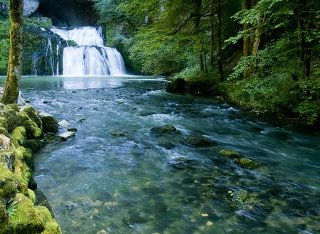 source d eau: Le Lison Banque d'images