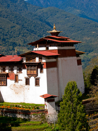 worshipping: Detail of the Trongsa Dzong which is the largest dzong in Bhutan