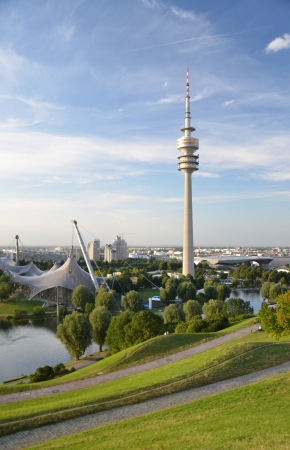 Cover sports complex olympiapark and Olympiahalle with Olympiasee