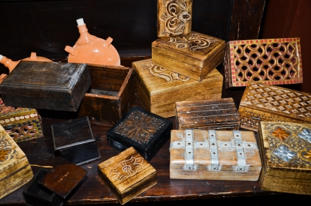 exposure of an artisan manufacturer of boxes