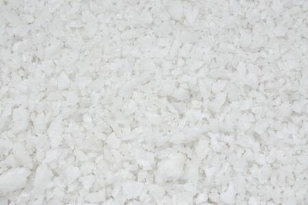 Textura de sal limpia y blanca, Fondo de spa de sal marina natural.
