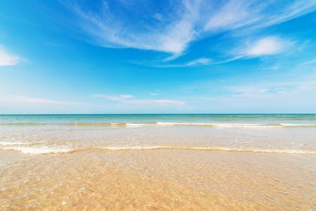 Strand en tropische zee Stockfoto