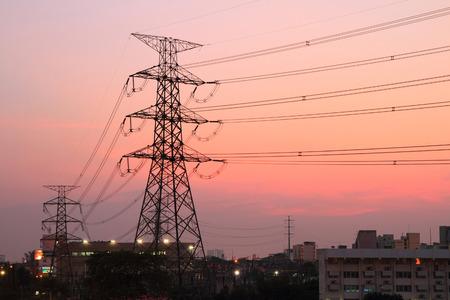 Wysoka pylon energii elektrycznej napi?cia Zdjęcie Seryjne