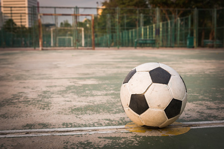 kick off: old ball at kick off point in court