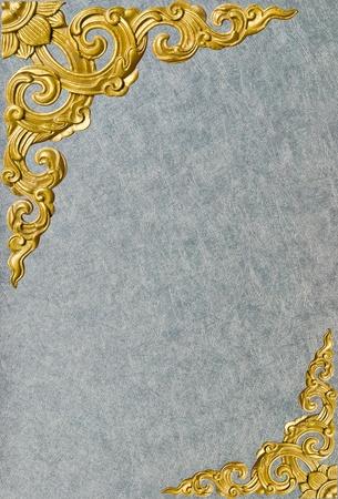 Traditionnelles thaïlandaises décoratif motif de style isolé sur fond de mur Banque d'images