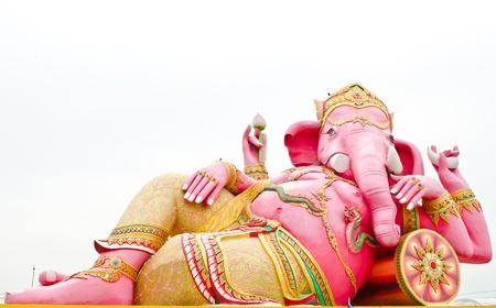 Pink ganesha statue wat Samarn, Chachoengsao, Thailand Stock Photo