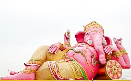 Pink ganesha statue wat Samarn, Chachoengsao, Thailand Stock Photo - 16030201