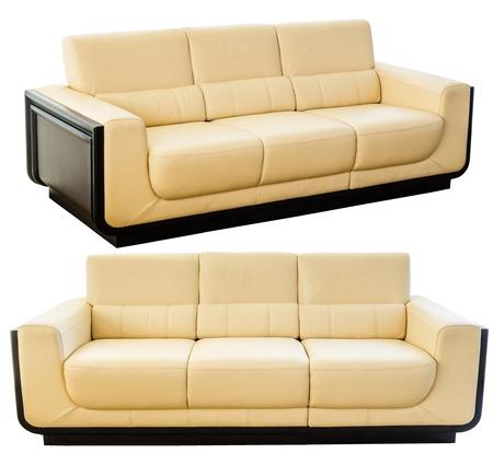 muebles de oficina: Imagen de un moderno sofá de cuero blanco crema aisladas sobre fondo blanco Foto de archivo