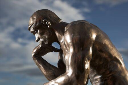 Le Penseur de Rodin - Statue en bronze