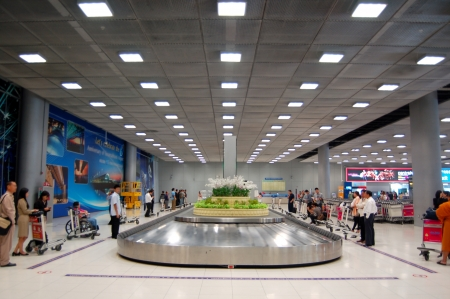 conveyer: Baggage Claim Conveyer at Suvarnaphumi Airport, Thailand