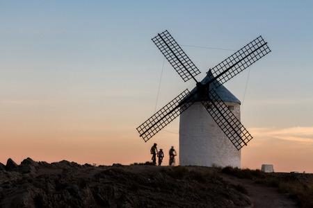 don quijote: Los ciclistas de monta�a en Don Quijote