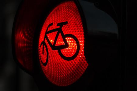 rote ampel: Rotes Licht f�r Radweg auf Ampel Lizenzfreie Bilder