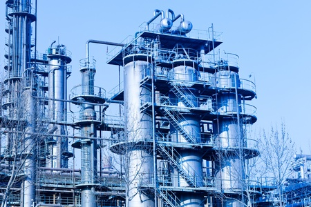 global industry: modern Industry, refinery complex