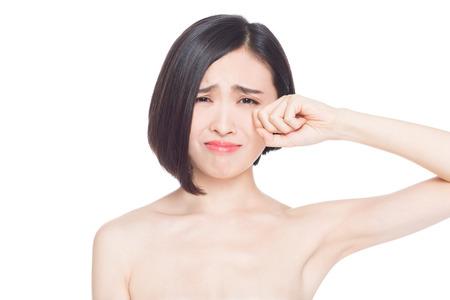 mujer llorando: las expresiones faciales de la mujer china, fondo blanco