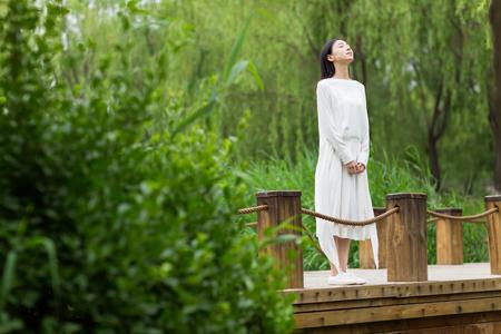 girl in nature Reklamní fotografie
