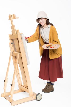 중국어 화가 아름 다운 소녀, 앞에 앉아 스케치, 페인팅 팔레트를 들고 스톡 콘텐츠