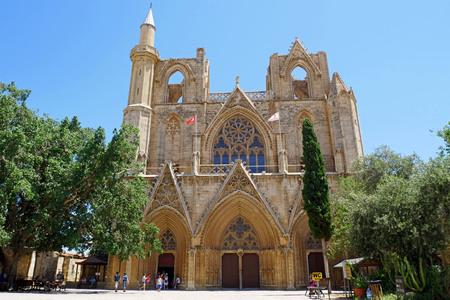 ララ ・ ムスタファ ・ パシャ ・ モスク (以前聖ニコラス大聖堂)、ファマグスタ、キプロス。
