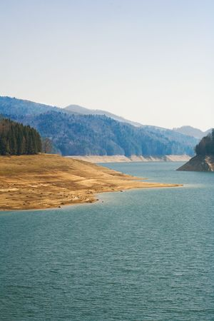 Lake between mountains in a sunny day Stock Photo - 4638285