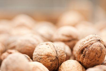 frutas secas: Primer plano de un mont�n de nueces a secar