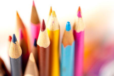color�: Fermeture de nombreux crayons sur arri�re-plan floue, faible profondeur de champ