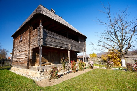 Traditional Romanian house - part of a series with old countryside architecture in Romania Stock Photo - 8336209