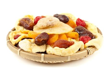 frutas secas: Detalle de frutos secos mezclar aislado sobre fondo blanco Foto de archivo