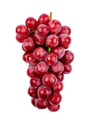 uvas: Un racimo de uvas rojas aisladas sobre fondo blanco