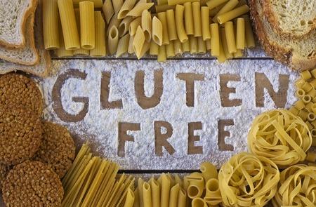 glutenvrij woord met houten achtergrond Stockfoto