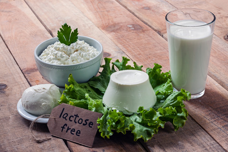 nietolerancyjny: lactose free intolerance - food with background