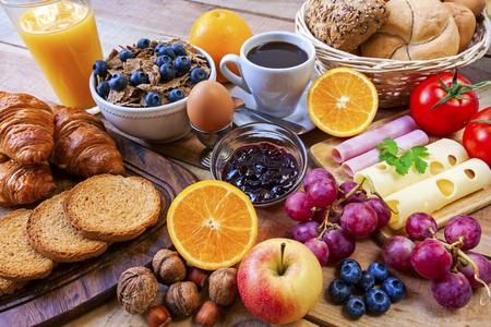 a contineltal breakfast - food Reklamní fotografie