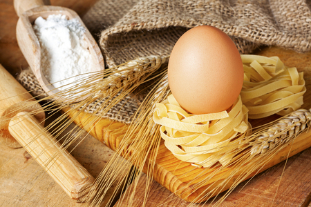 Spaghetti nest and eggs - food