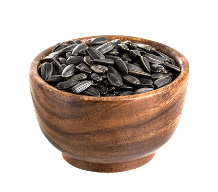 semillas de girasol: Semillas de girasol aislados sobre fondo blanco