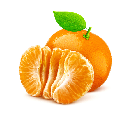 One mandarin or tangerine isolated on white background Zdjęcie Seryjne - 116816805