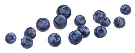 Blueberry tombant isolé sur fond blanc avec un tracé de détourage
