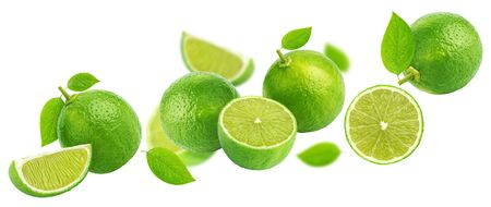 Falling lime isolated on white background Banque d'images