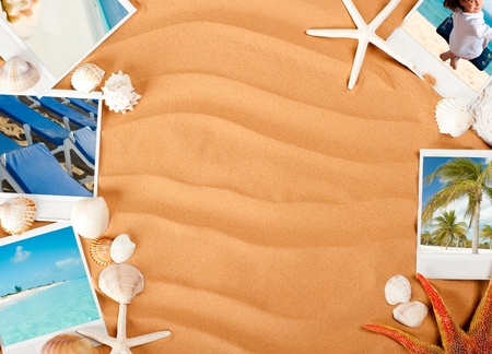 sand background with pictures, starfish and conch Stockfoto