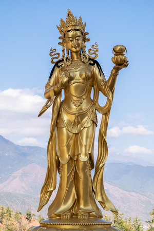 Golden statues of Buddhist deity in Buddha point, Thimphu , Bhutan Stockfoto