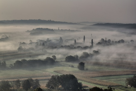Morning fog and haze in the valley - sleepy hollow Stock Photo - 10490338