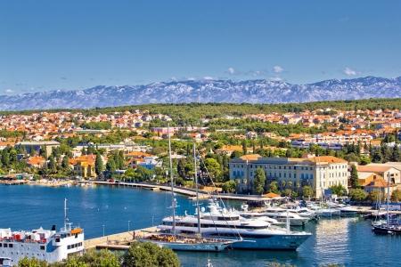 자 다르 항구와 Velebit 산의 도시, 달마 티아, 크로아티아 스톡 콘텐츠