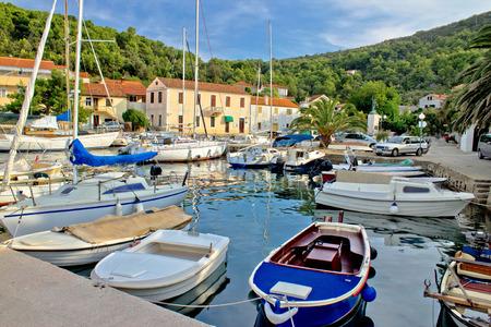 pictoresque: Mali Iz adriatic safe harbor, Dalmatia, Croatia