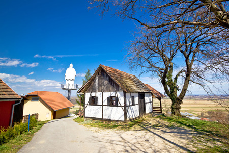 kalnik: Zagorje hills cottage and st. Vinko statue lookout, Ludbreg, Croatia