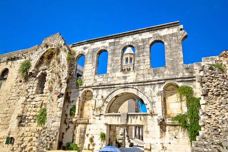 Ruins of historic city of Split, old walls and cathedral view, Dalmatia, Croatia Standard-Bild