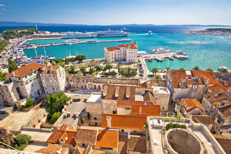 Split harbor and waterfront historic architecture aerial view, Dalmatia, Croatia Standard-Bild