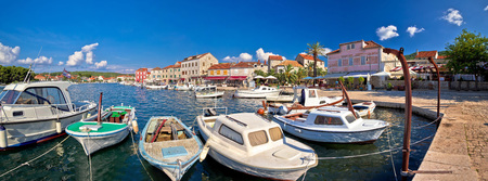 starigrad: Stari Grad waterfront summer view panorama, island of Hvar, Croatia