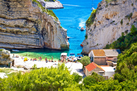 Stinva baie vue canyon plage, île de Vis, Croatie Banque d'images