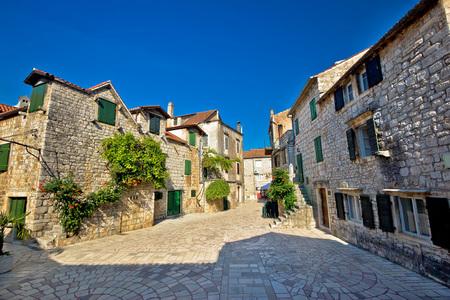 starigrad: Stari Grad on Hvar i sland old paved street, Dalmatia, Croatia
